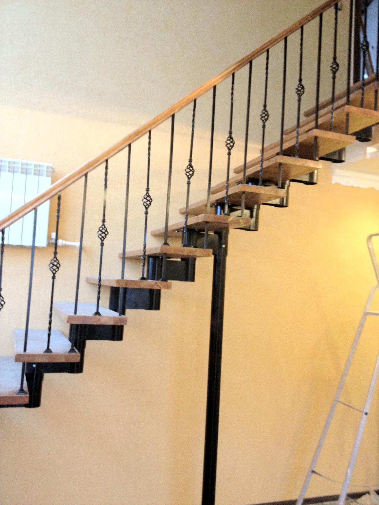 Модульная лестница с деревянными ступенями